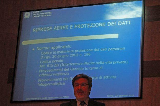 Il dottor Comella durante il suo apprezzato discorso sulla protezione dei dati personali